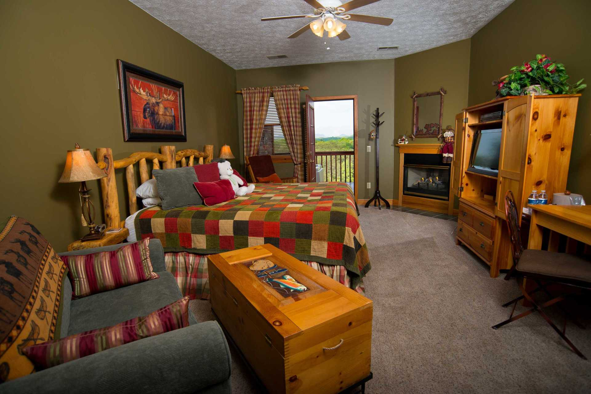 Colorado Springs Bedroom not far from Pigeon Forge
