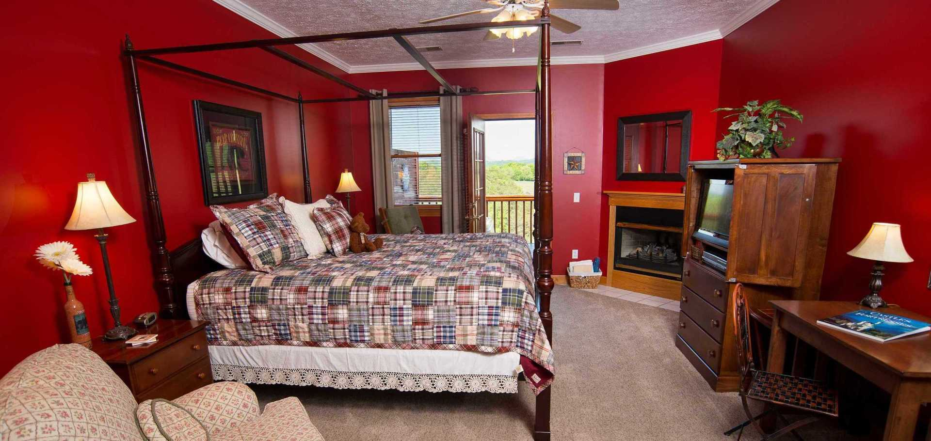 Holly Springs Sunrise Mountain View King Hot Tub Room