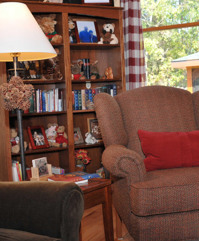 Smoky Mountain Lodge Living Room