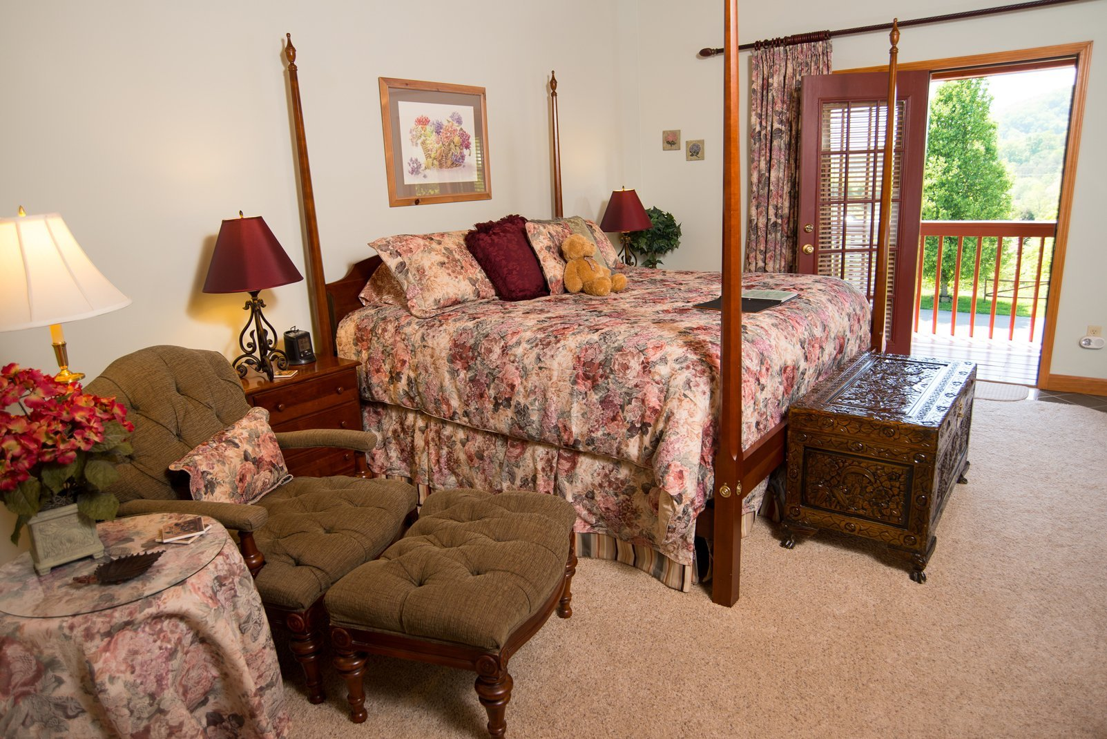 Raspberry Springs Gatlinburg room