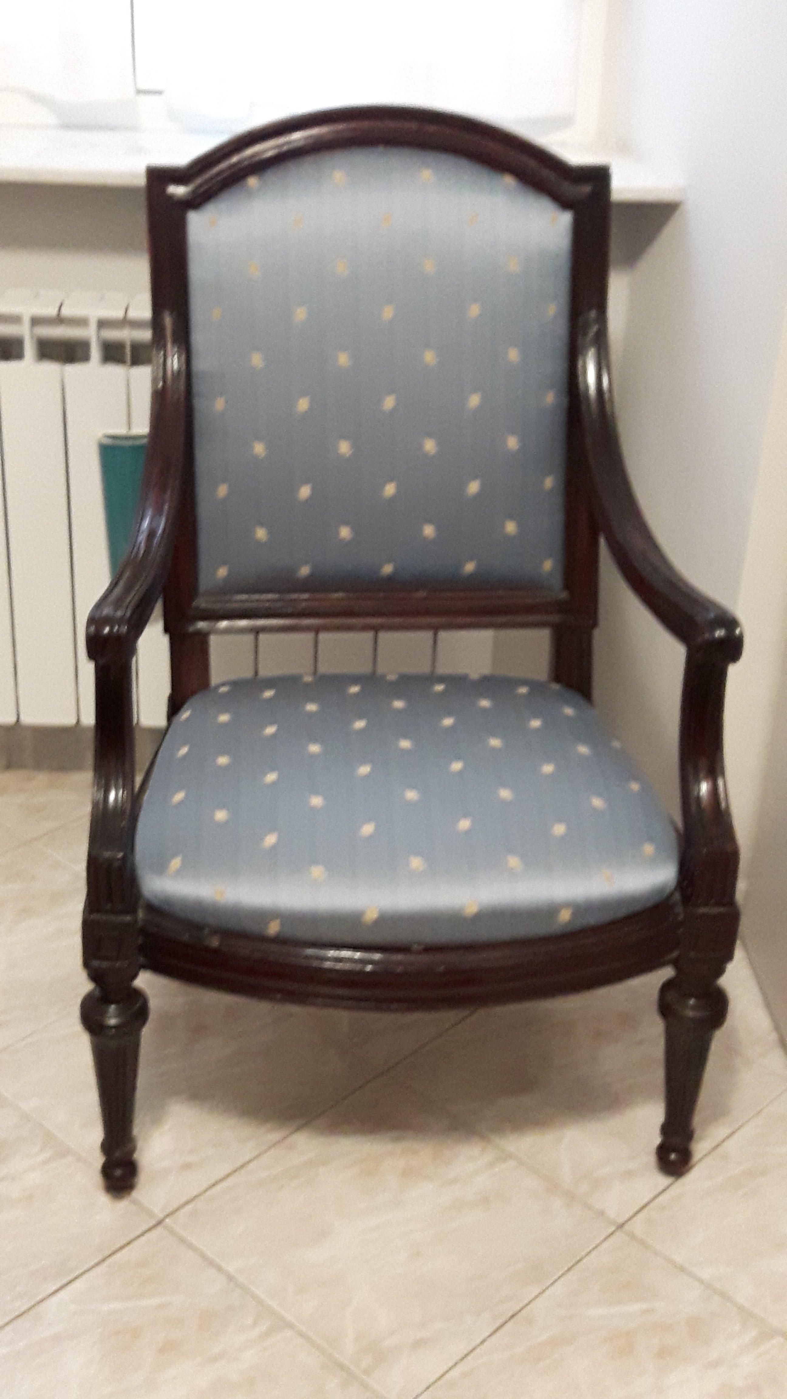 sedia antica rivestita