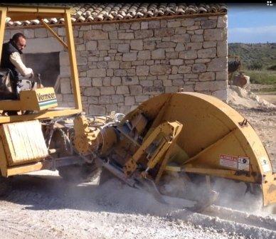scavi per impianti- taglia rocce
