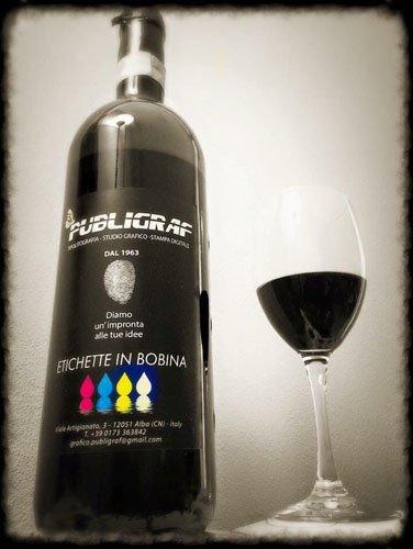 vino con etichetta PUBLIGRAF