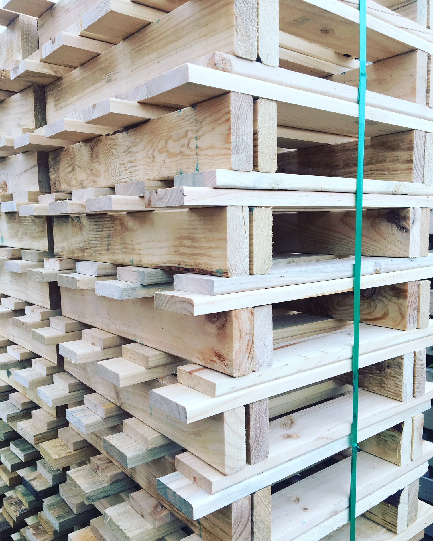 Wooden Pallets Suppliers in Perth   1/2 Price Pallets