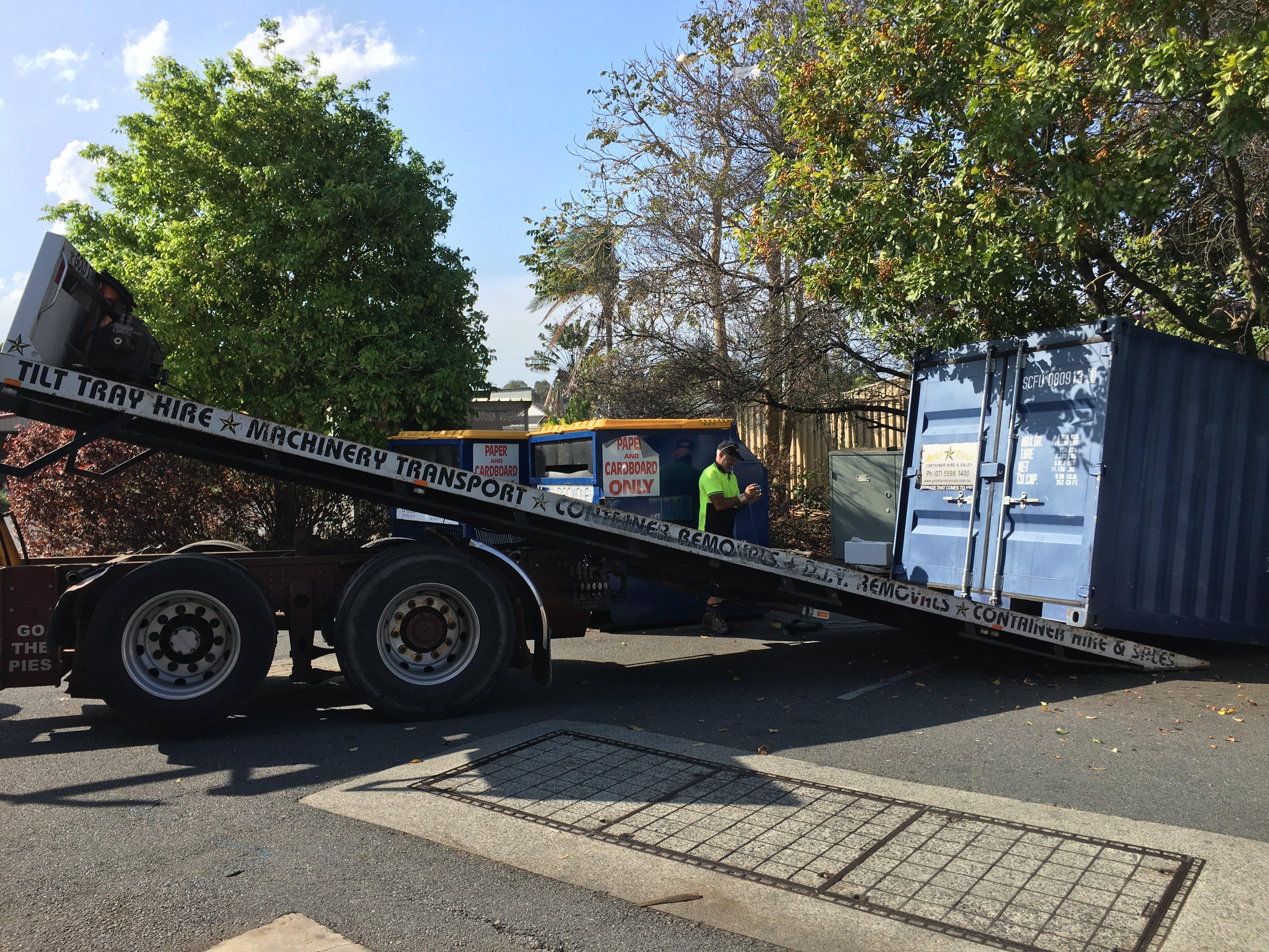 Gold Coast Cheap Tilt Tray Furniture Removalist