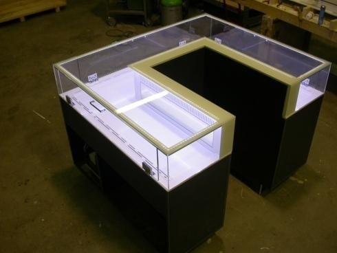 Realizzazione vetrinette per negozi