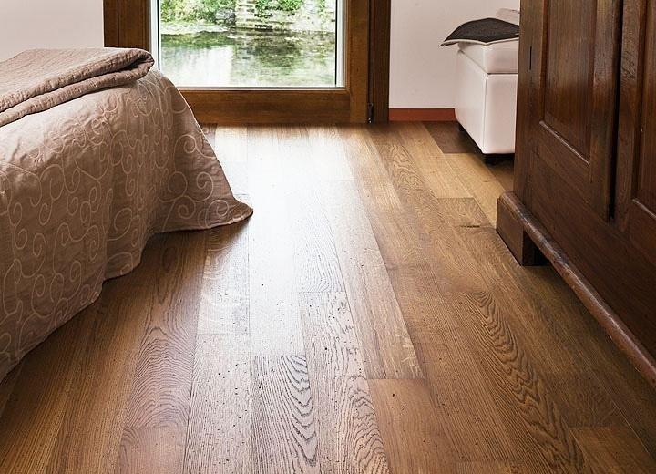Pavimento in legno a listelli