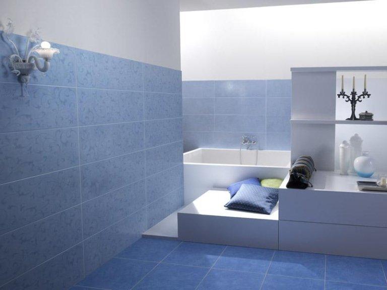 Zona bagno con piastrelle e rivestimento effetto blu