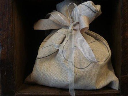 bomboniera artigianale in un sacchettino
