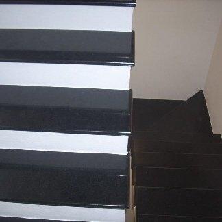 particolare scala in nero assoluto, particolare scala interna, scale