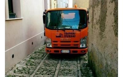 mezzo per trasporto rifiuti trapani