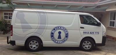 blackwood locksmiths white colour van