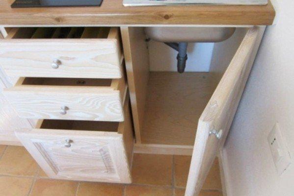 Mobile in legno per la cucina