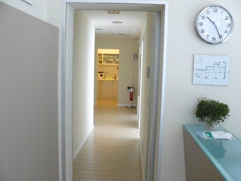 corridoio studio dentistico