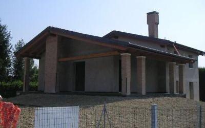 Villetta di campagna in costruzione