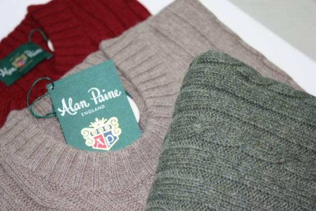 alcuni pullover della marca Alan Paine