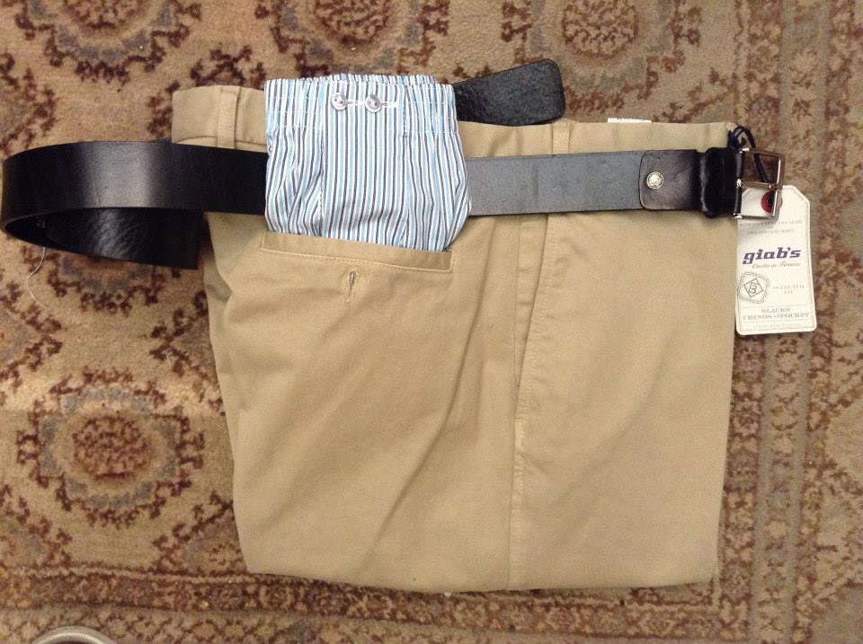 pantaloni della marca Giab's e una cintura di pelle
