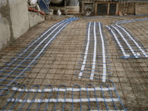 La ditta si occupa del rifacimento di piazzali curando ogni fase lavorativa.