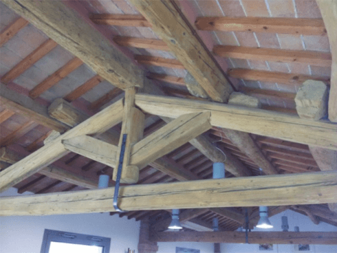 Richiedete un preventivo per la ristrutturazione della capriata del vostro tetto.