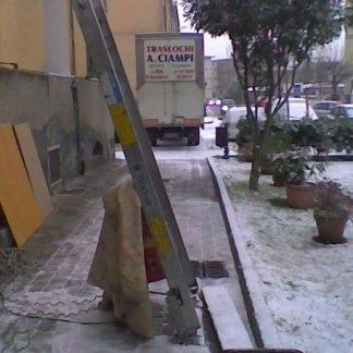 traslochi ciampi la spezia con la neve
