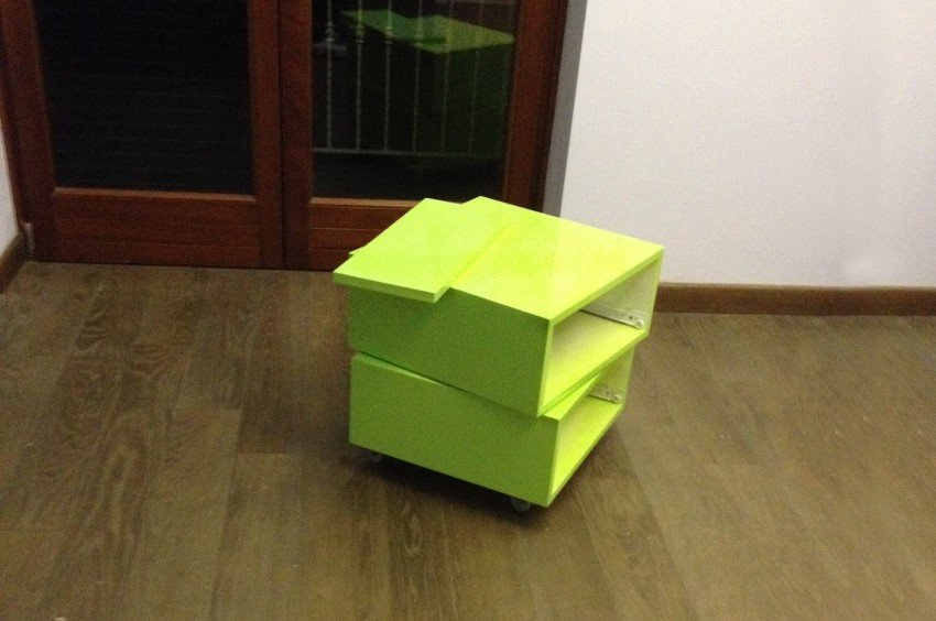 cubo in legno verde