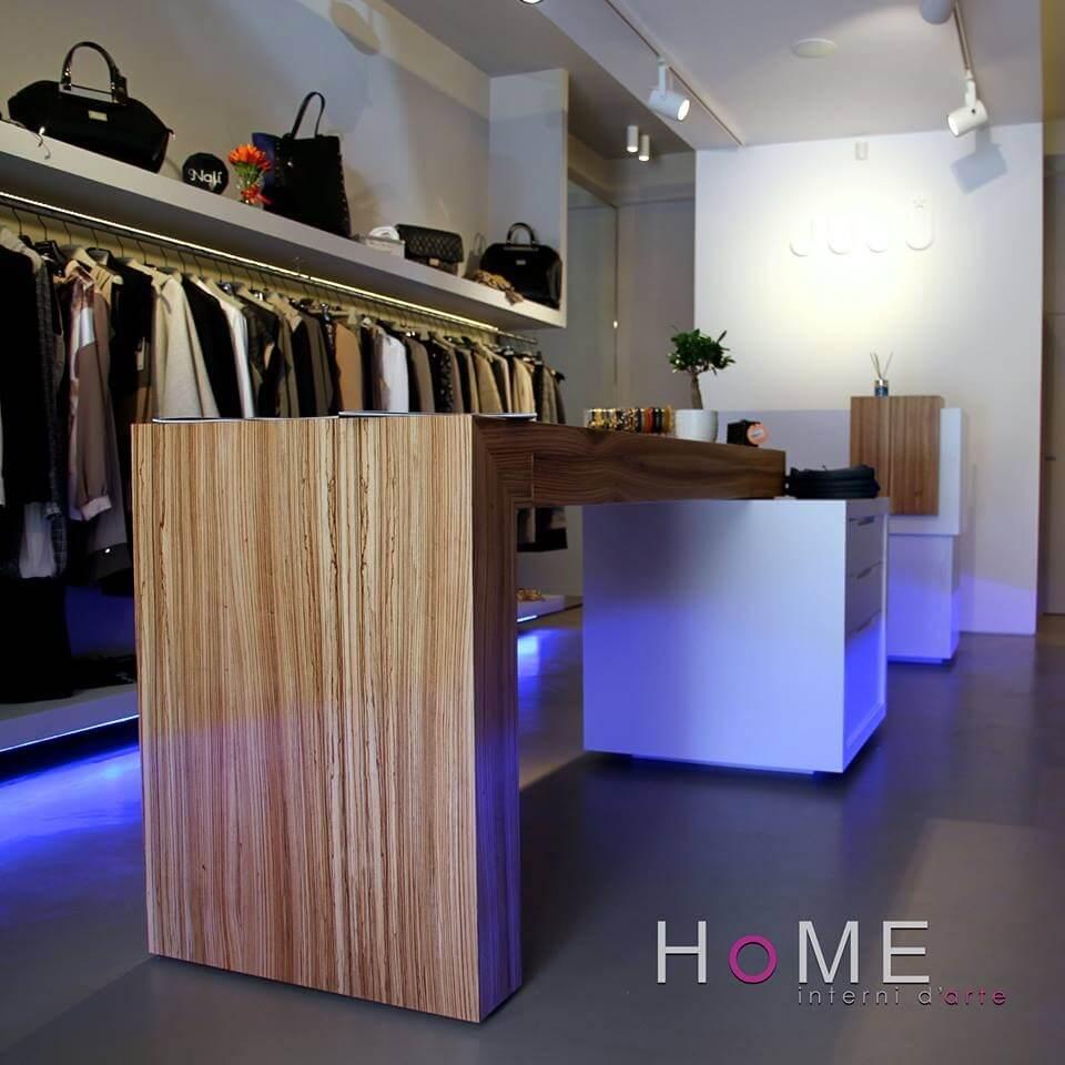 bancone negozio bianco e legno