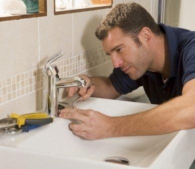 idraulico, riparazioni idrauliche, manutenzioni idrauliche
