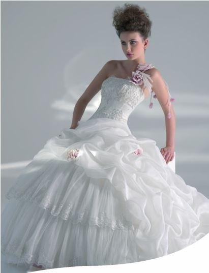 Dress well in tulle organza and lace old pink flowers