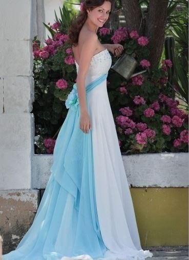 Dress slipped georgette with turquoise color panel and embroidered bodice with crystals