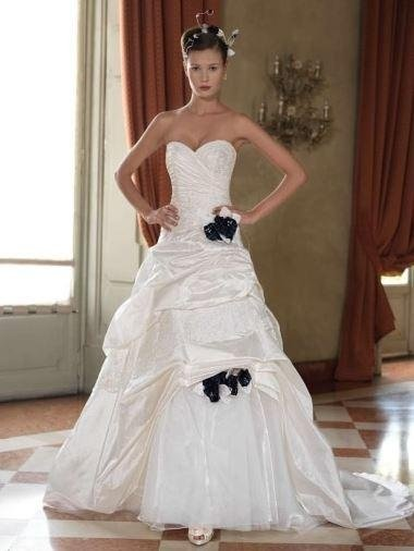 Dress semilargo organza asymmetrical bodice with lace and blue flowers