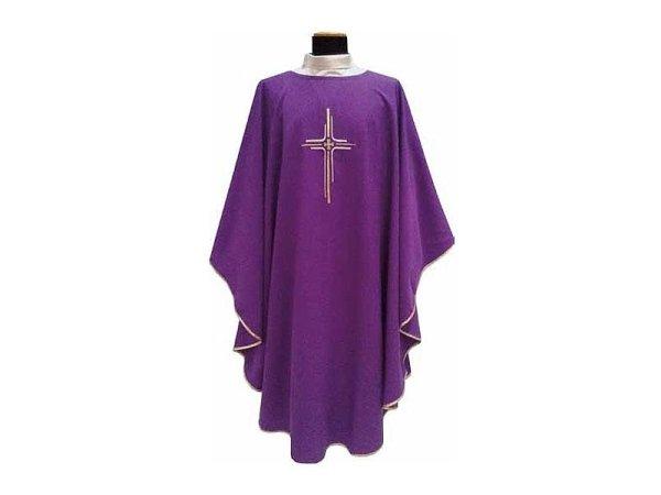 Chasuble square collar purple