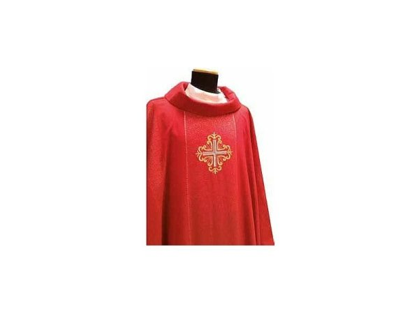 Chasuble with red gold braiding