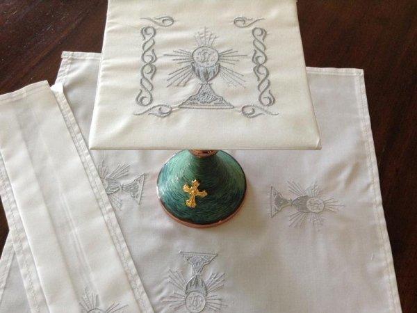 Servizio Santa Messa in lino