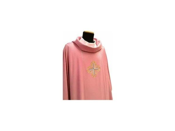 Chasuble with rose gold braiding