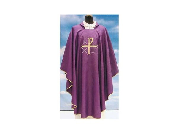 Chasuble in purple Assisi fabric