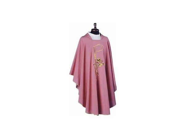 Embroidered chasuble pink