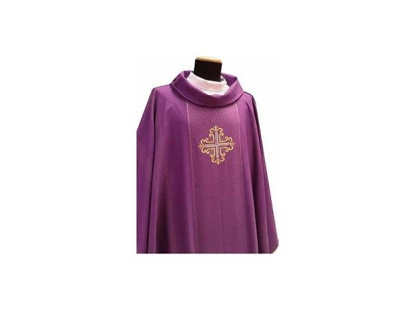 Chasuble with purple gold braiding