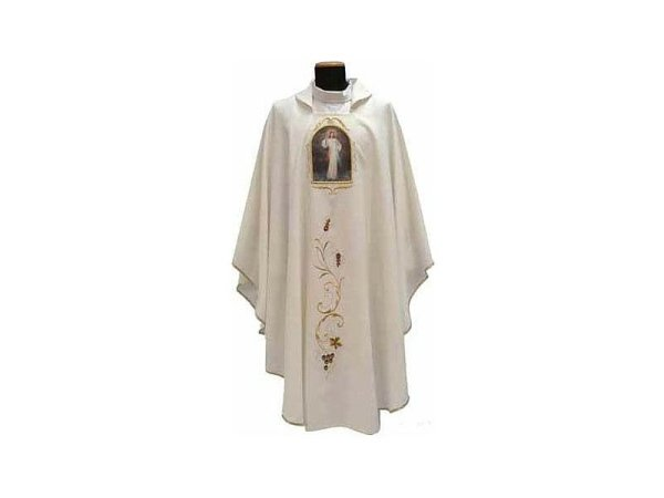 Marian chasuble with panels of Virgin Mary