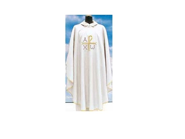 Chasuble in white Assisi fabric