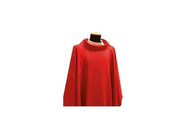 Chasuble round collar red