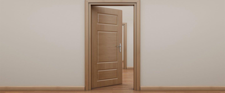 Porta in legno a Corridonia