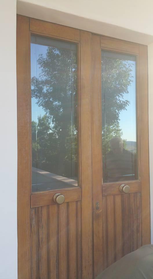 porta in legno con vetri