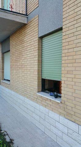 finestra con avvolgibile