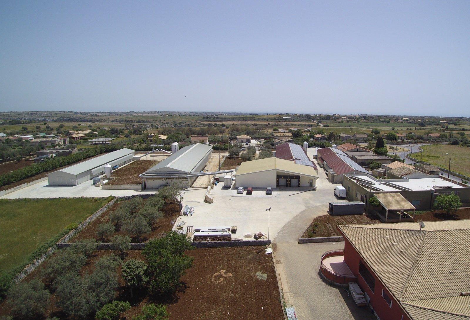 Vista aerea dell'azienda avicola