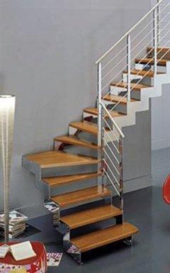 scala in legno e acciaio