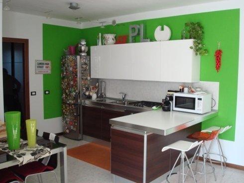 tinteggiatura parete cucina