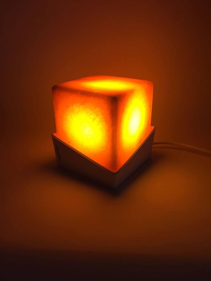 lampada quadrata illuminata