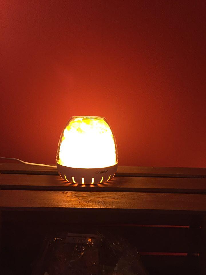 lampada di sale accesa