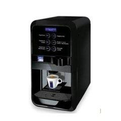 LB 2500 – Sei selezioni e latte in polvere integrato per erogare caffè macchiato e cappuccino