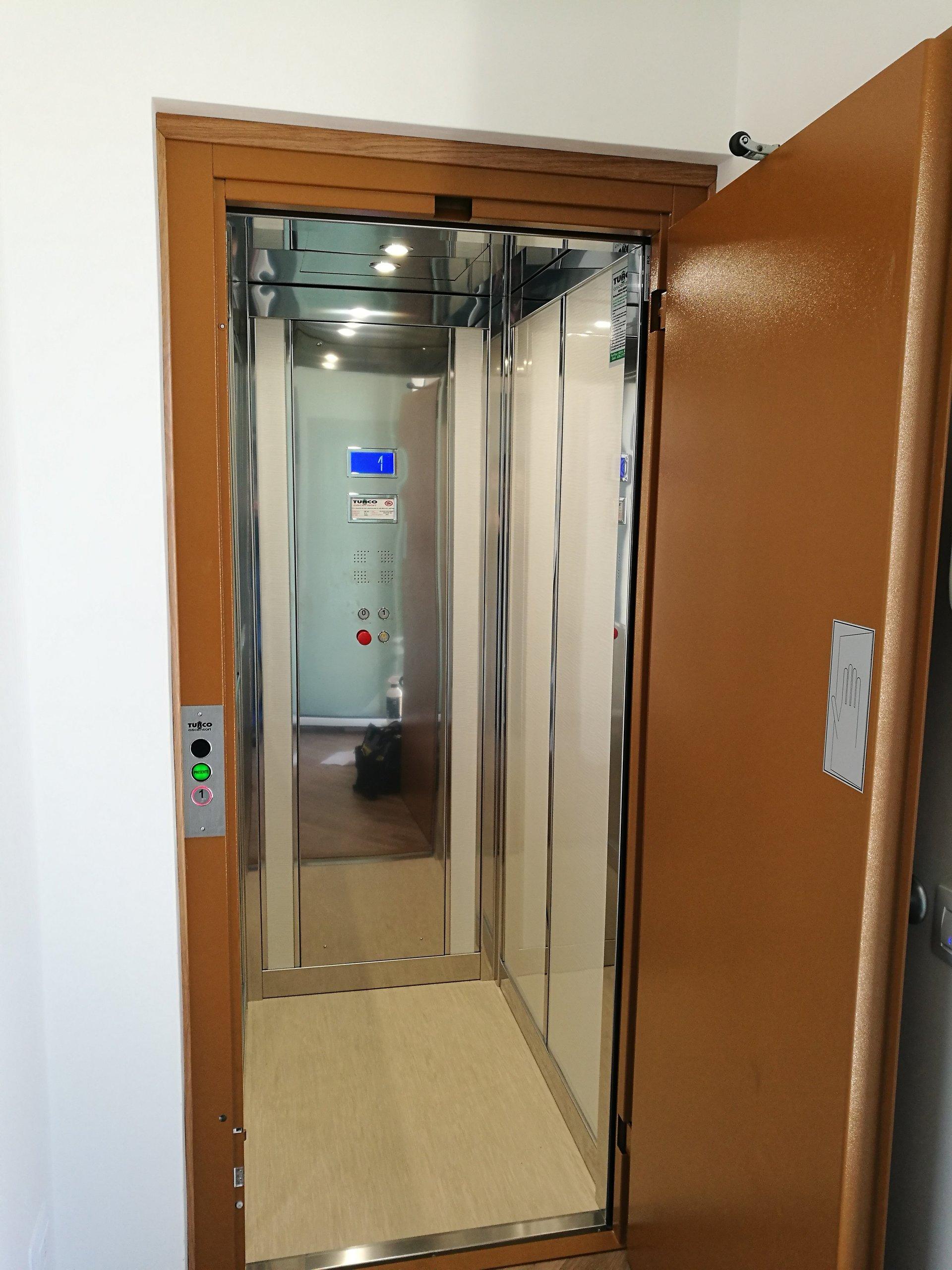 piccolo ascensore
